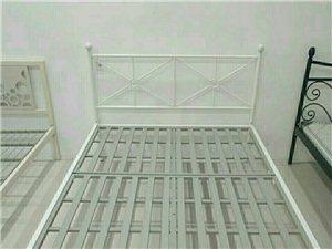 批发零售各种家具铁床、上下床