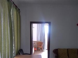 伊比亚1室1厅1卫1300元/月