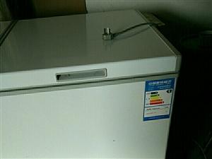 美的冰柜九成新有需要的面议。本人还有蒸包...
