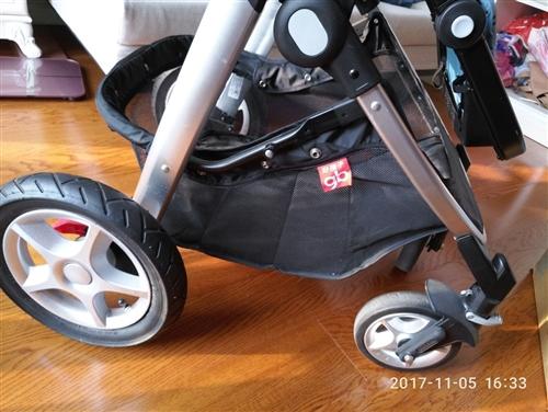 goodboy好孩子婴儿车,可折叠拆卸,大品牌质量好,细节处毫无生锈等痕迹,唯一的不足是一直闲置起灰...