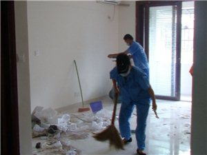 专业擦玻璃,室内清洁。收费超低