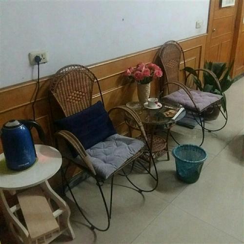 小茶幾,藤椅
