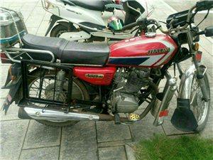男式125摩托车,合法上路合法过户,无事故无泡水。