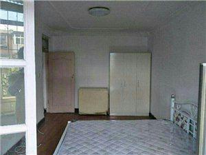 锦园里1室1厅1卫1200元/月