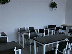 出售大小圆台,快餐台,收银台,酒柜,梳妆...