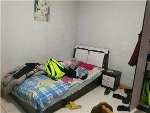 幸福社区3室2厅1卫700元/月