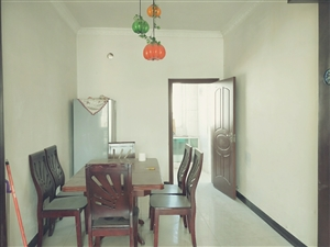 龙腾锦城3室2厅2卫1450元/月