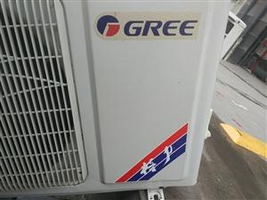 格力空调1.5P   八成新   冷暖两用    有需要朋可以留言  或者电话联系。   南京市区1...