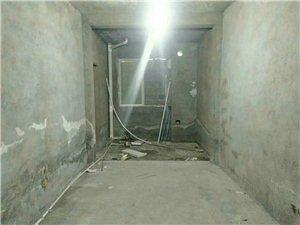 龙腾锦城3室2厅1卫