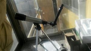 望远镜,没用过几次,可以给孩子玩。