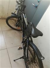 出售个人山地车,没怎么骑过,富士达的,特别好骑。买时候1500.元。差不多就卖,电话13731222...