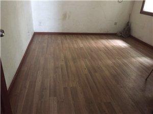 博都广场3室2厅2卫2500元/月