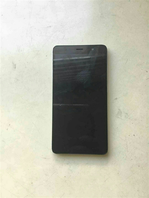 红米note3,运行内存3g,内存32g,后置1300万摄像头,前置500万,因为本人要换手机,所以...