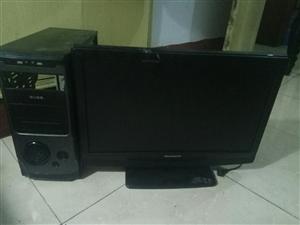 因拆迁特价处理,电脑,电视,美的电热水器,电脑桌,LED显示屏等。