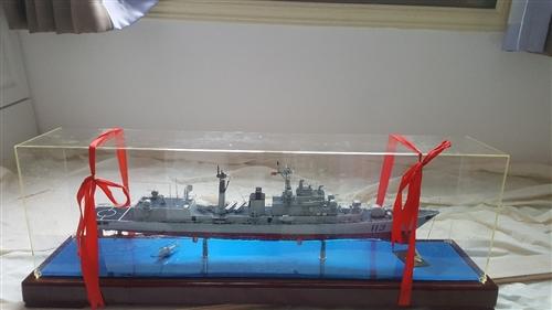 軍艦模型 嶄新的 搬新房子了  放不下  忍心轉賣  尺寸有的  有興趣的請聯系我  豐都縣龍城華府...