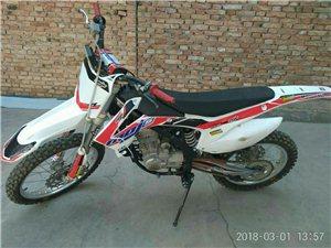 高赛摩托车