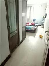 金荣小区3室2厅2卫64万元