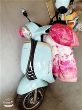 本人�e置一�v踏板助理摩托�,本�硎琴I了接孩子用的,�F在用不到了,九九成新,很��用,主要省油