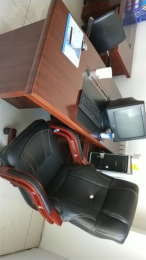 办公桌椅3套全新出售,价格面议。