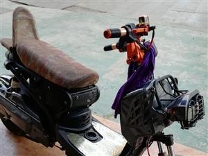 祖玛电动车,72v 忍痛割爱,新电瓶,车况良好。2600可小刀,需要联系13294921168