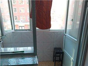 青年街3室1厅1卫24万元