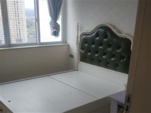 龙腾御景3室1厅1卫500元/月