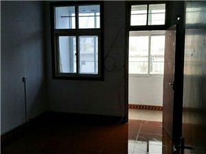 银建小区3室1厅1卫28万元