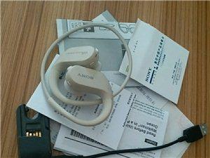 索尼NW-WS413/CM CN防水数码音频播放器,跑步游泳专用。当时为减肥跑步买的。现在已经减下去...