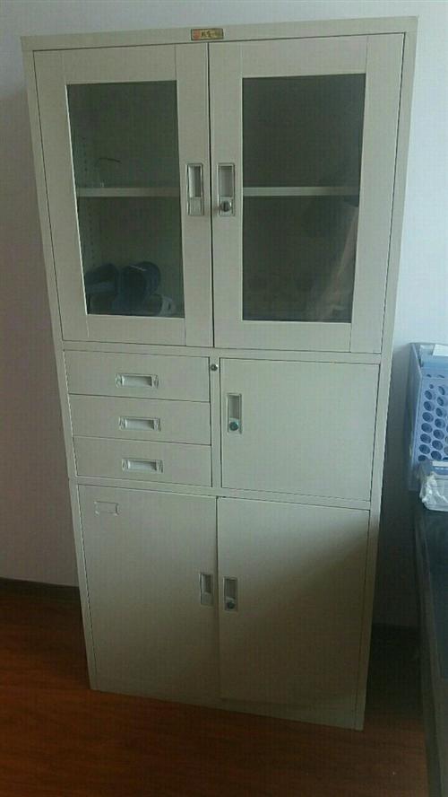 辦公用品(辦公桌、辦公椅、文件柜、沙發、茶幾)出售