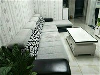 沙发,买回来已经放过味了,搬家后觉得放屋里显客厅小,所以转卖,原价4000元,现价2000元可谈,长...