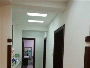 金阁苑3室2厅1卫10000元/月