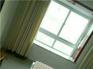 华星老区3室2厅1卫10000元/月