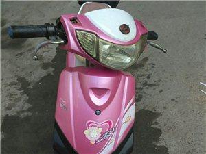 电动车踏板小电动,17年12月份刚换的新天能电瓶,750元,可以当面打开看,图片手机照的,看清图片真...