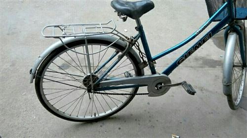 自储藏室没地方放了,自行车一辆,图片手机照的,看清图片,50处理了,真心要价格可议。