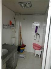 南街4室2厅1卫12800元/月