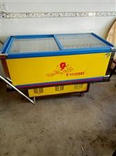 岛柜1.5米,一台,有手推架,冰柜一台,都是用了两个月的,有需者请联系,15946845818