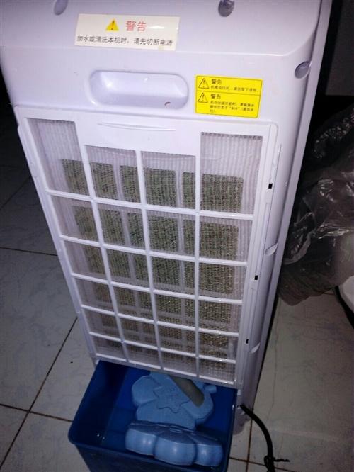 美的蒸发式冷风扇,用过两次,9成9新,原价599买的,因搬家现价200,保证正品,同城送货到家,保证...