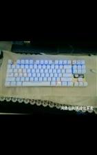 急需用钱   海盗船大机箱支持所有主版 英特尔128G固态加500机械  机械键盘  桌子椅子 音响...