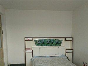 新世纪2室1厅1卫800元/月