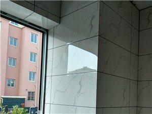 精装瓦工:铺墙地砖、瓷砖厨柜、木地板地坪找平。