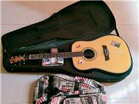 这把吉他刚买没多久,原价三千多,自己很喜欢,原本想收藏着的,但因为个别原因放弃了音乐,喜欢转入爱吉他...