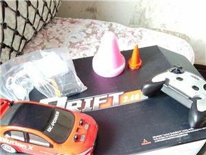 rc漂移车蚊车/99新/送:充电锂电池,充电器,障碍物/漂移起来爽的没话说