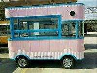多功能流动美食房车一辆,煎、炸、煮、涮、烫一车搞定。干净卫生,因有事无人打理欲出售,价格合适就出手,...