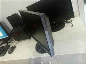 19寸华硕显示器低价出售,无修,无暗病。