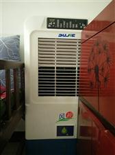 5000风神冷风机,9成新,用了一夏天,安琪儿展示柜,上冷藏下冷冻,1.6米,9成新,用了半年多,价...