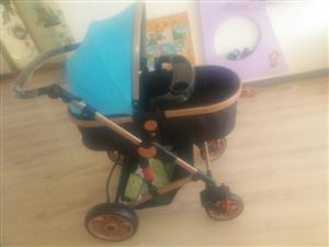 全新儿童手推车,可拆卸可折叠,售价300元,联系电话13086872370