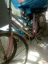 家有儿子女儿上初中骑过的山地车和自行车各一辆均九成新,因娃上高中而且搬家,现便宜处理,山地车300自...