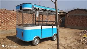 一米六乘三米的餐车,五块水电瓶,新车刚一个多月,因个人原因出售,有意者见面看车。1836591055...