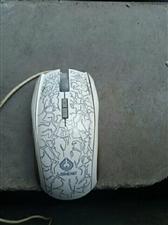 西峡飞宇网吧店面升级,有一批二手电脑配件(鼠标键盘)出售,量大从优!散户(单个卖)均可。 另招聘网...