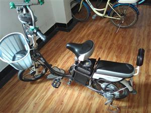 雅迪电动车,买来没怎么骑,成色新,诚新要的可以联系我!
